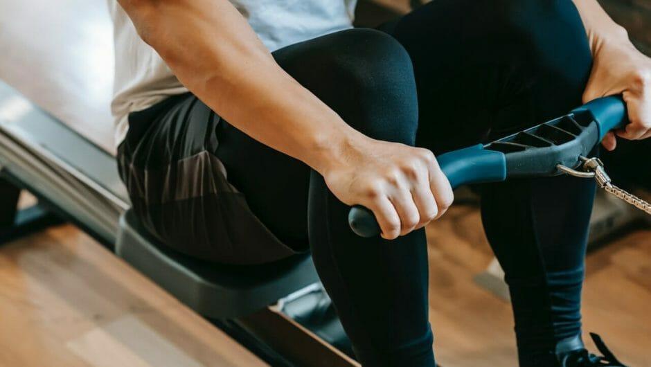5 exercices de rameur procurant des bienfaits pour une femme